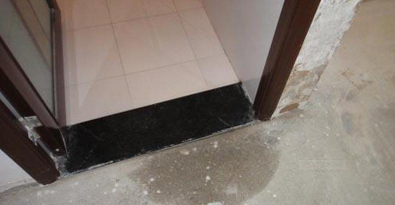卫生间装修要注意的地方真多,瓷砖、防水、防滑,做错了麻烦多!插图2