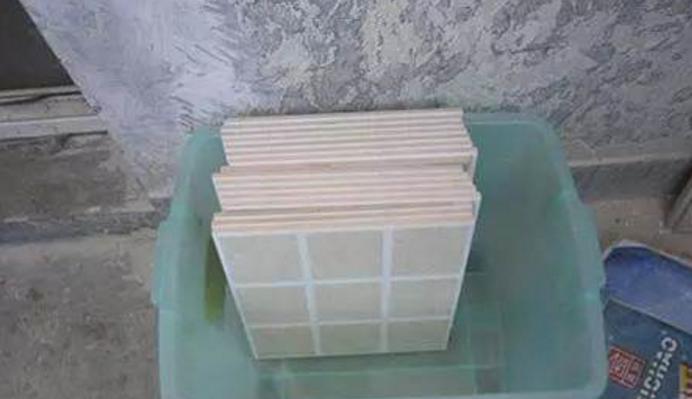 如何避免家中瓷砖空鼓、脱落,从瓷砖选择、泡水、以及铺贴辅料中分析插图2